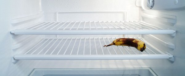 how to clean fridge without turning it off